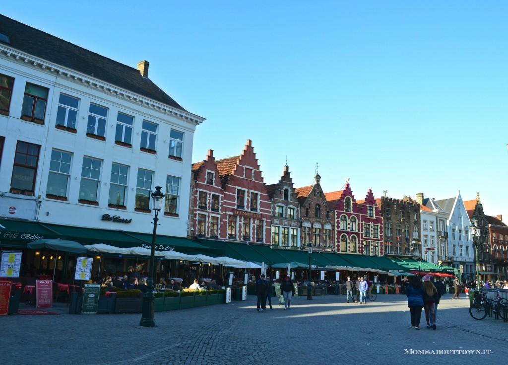 Markt square Bruges Momsabouttown